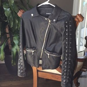 💕price is firm💕NWOT Leather jacket